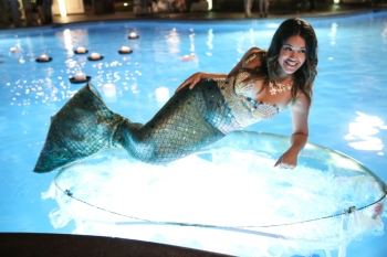 """Jane The Virgin -- """"Pilot"""" -- Image JAV100a_0340 -- Pictured: Gina Rodriguez as Jane - Photo: Tyler Golden/The CW -- © 2014 The CW Network, LLC.  All rights reserved."""