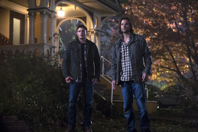 "Supernatural -- "" There's No Place Like Home "" -- Image SN1010B_0400 -- Pictured (L-R): Jensen Ackles as Dean and Jared Padalecki as Sam -- Credit: Katie Yu/The CW --  © 2015 The CW Network, LLC. All Rights Reserved"