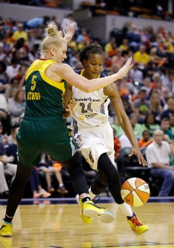 Abby Bishop, Tamika Catchings