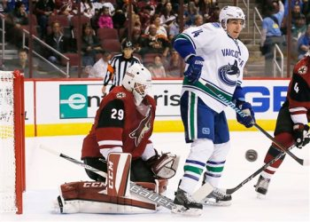 Alex Burrows, Anders Lindback