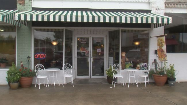 Gingerbread Bakery & O'Neal's Snack Bar - Belhaven, N.C.