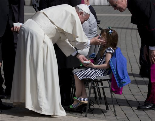 Photos: Ohio girl with rare genetic disorder blessed by pope