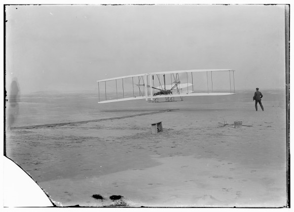 wright-brothers-flying-machine-e1369077931471