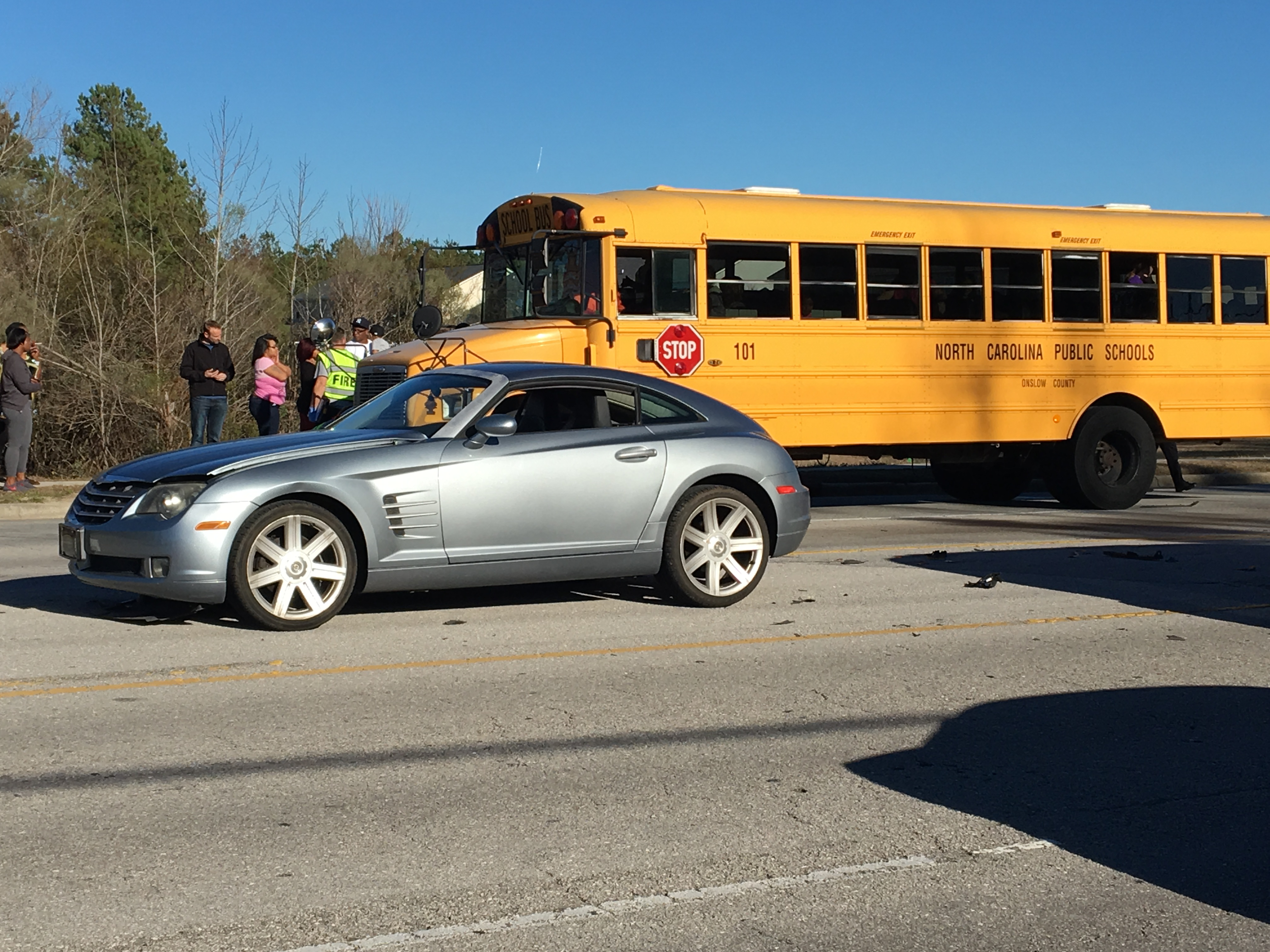 parkwood elementary school bus in 2 car accident bus 2