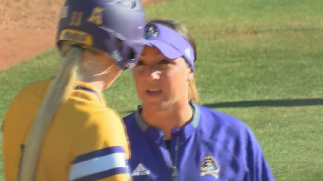 courtney-oliver-ecu-softball-0219