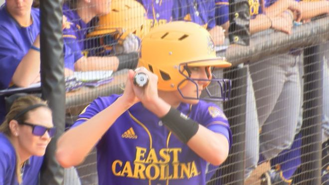 karlie-smith-ecu-softball