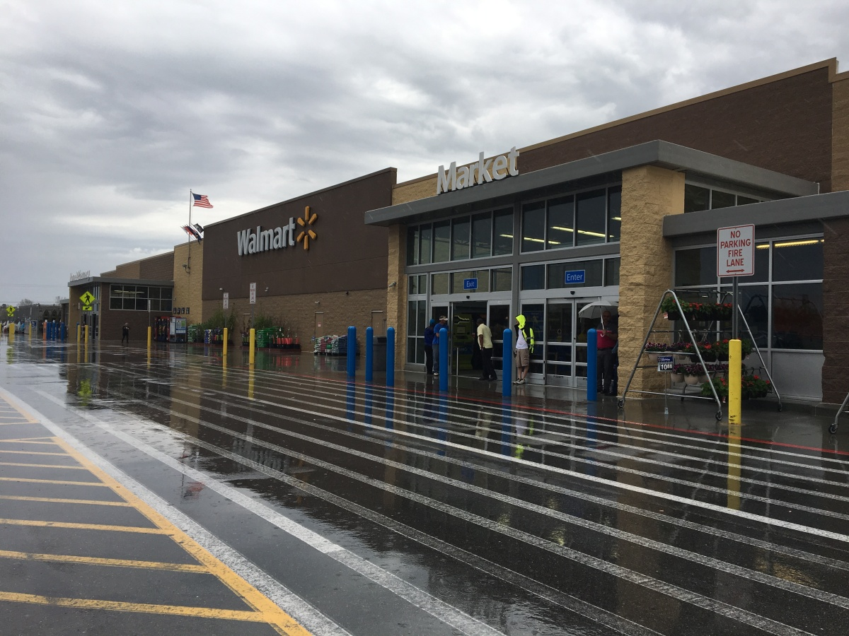 richlands walmart evacuated after shoplifted items mistaken for weapon