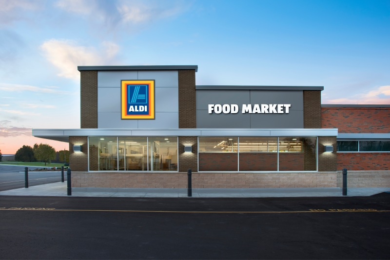 ALDI_Store_Exterior__Right