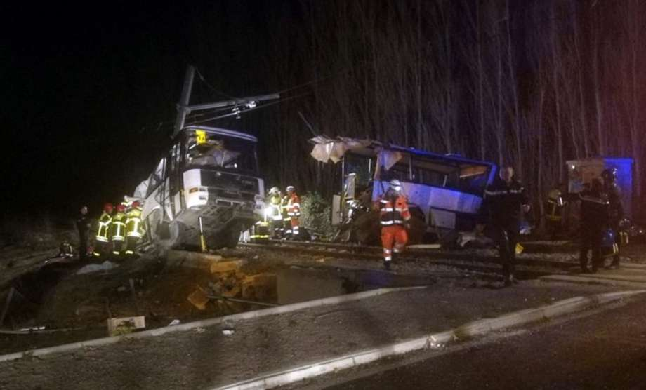 4 children killed in bus-train collision in southern France